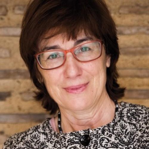 Carmen Magallón Portoles