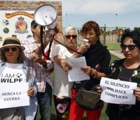 Protesta en la base aérea de Zaragoza