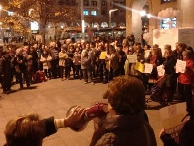 Concentración en Zaragoza: NO AL HORROR. NO AL TERRORISMO. LA GUERRA NO ES LA SOLUCIÓN
